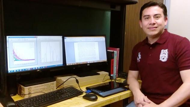Ing. Walter Orozco en el ESIME Culhuacán - Sección de Estudios de Posgrado e Investigación (SEPI) del Instituto Politécnico Nacional de México